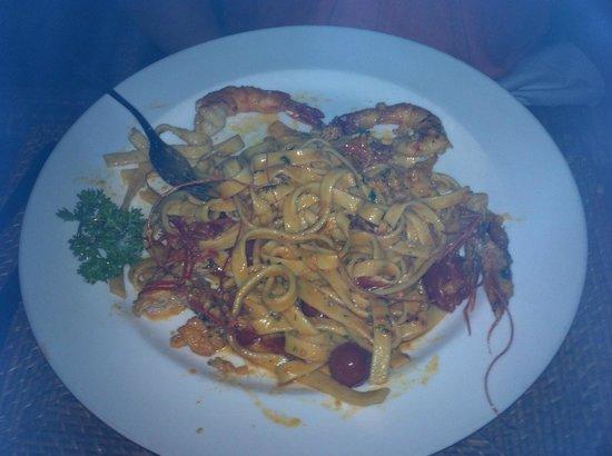 Ristorante Massimo : Penne cu lla Crema e Gamberetti with TWO prawns