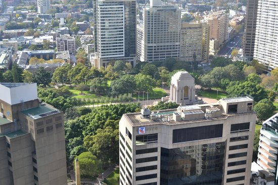 Meriton Serviced Apartments Pitt Street : View over Hyde Park