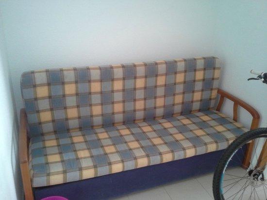 Apartamentos Bernat 3000: Sofá cama