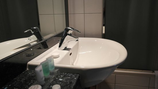 Al Salam Hotel Suites : Badezimmer