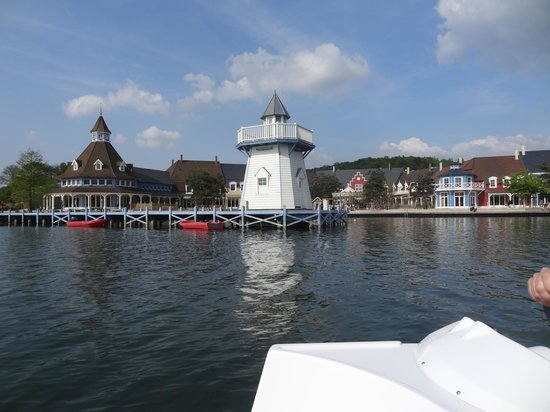 Center Parcs Le Lac d'Ailette : Vue du lac