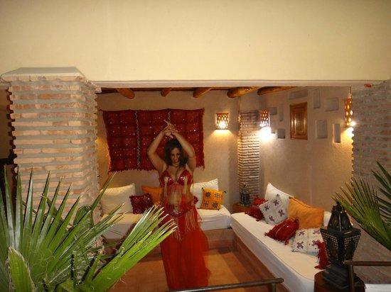 Riad Gallery 49: Entertainment