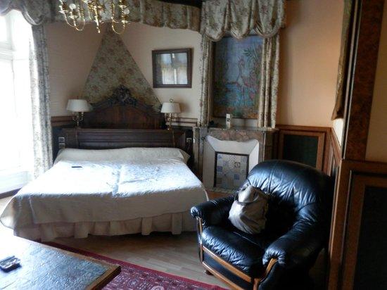 Chateaux du Val - Domaine du Val : Vue générale chambre