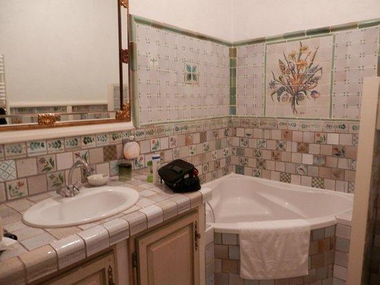 Chateaux du Val - Domaine du Val : Salle de bains