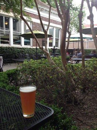 Kudu Coffee & Craft Beer: Courtyard