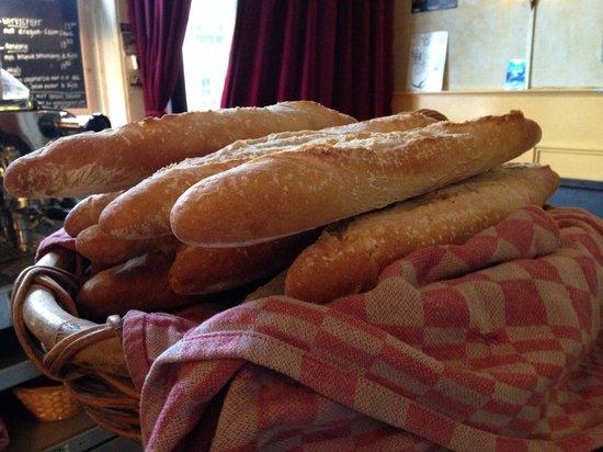 Aguada cafe restaurant : Ons heerlijke brood!!