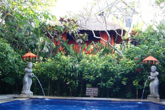 Tropical Bali Hotel : La piscine