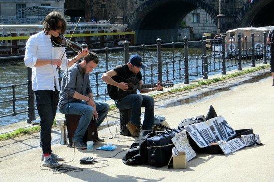 Museum Island: local band