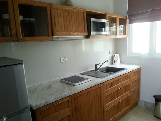Shades Resort : Fully equipped kitchen in the apartment, room 6