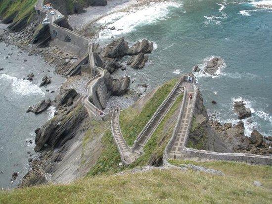 San Juan de Gaztelugatxe: Las escaleras de arriba