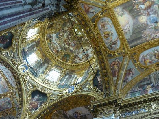 Basilica della Santissima Annunziata del Vastato : Interno, scorcio della cupola