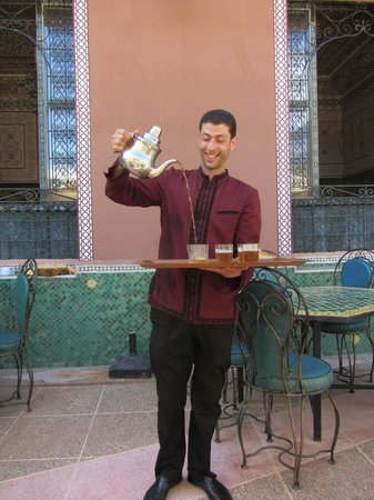 Colours of Morocco Day Tours : Traditional mint tea served in style!
