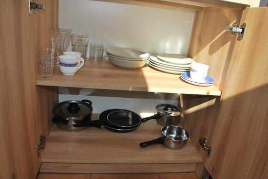Willa Cubryna: Kitchenette utensils