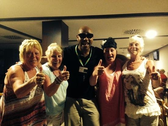 Alua Hawaii Mallorca & Suites: toni looked after us loud girls from wales lol