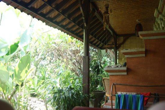 Geria Giri Shanti Bungalows: De la chambre