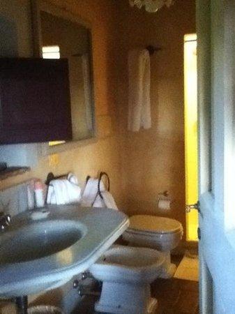 Villa il Poggiale Dimora Storica: La Fonte: bagno 1