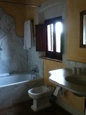 Villa il Poggiale Dimora Storica: La Fonte: bagno 2