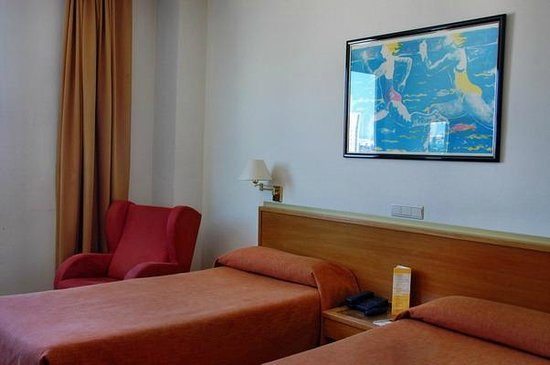 Expo Hotel Valencia : Номер