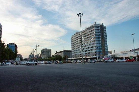 Expo Hotel Valencia : Здание отеля