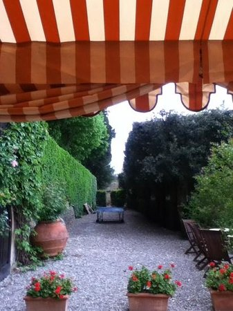 Villa il Poggiale Dimora Storica: un angolo del giardino