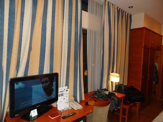 Holiday Inn Helsinki City Centre: номер