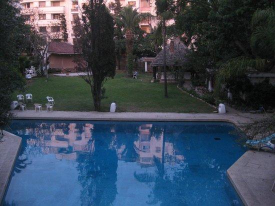 Chellah Hotel Tangier: Pool/lounge area