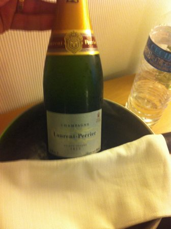 Novotel Monte Carlo : Welcome champagne!