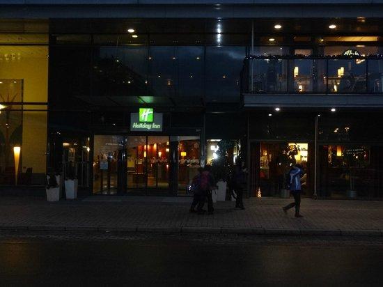 Holiday Inn Helsinki City Centre: Вид с улицы