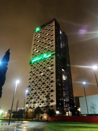 Renaissance Barcelona Fira Hotel : Hotel by night
