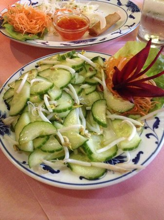 King's House: Cucumber salat