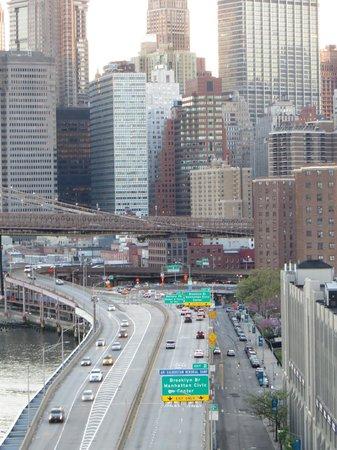 Manhattan skyline from Manhattan bridge
