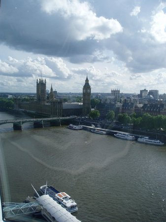 Coca-Cola London Eye: View from the zenith of the wheel.  Houses of Parliament etc