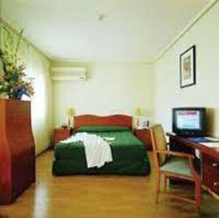 Paris Hotel: Habitación