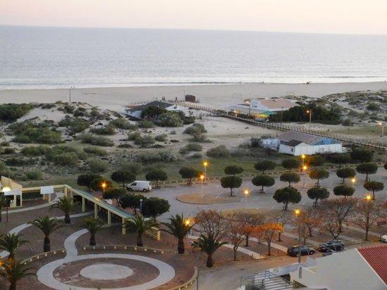 Eurotel Altura: Vistas de la playa al añochecer