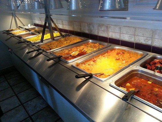 Msala India Restaurant : Wonderful buffet options.