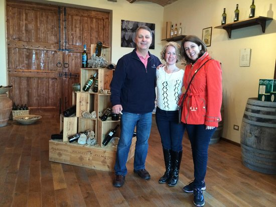Tuscan Wine Tours with Angie: Palagetto wine-tasting showroom