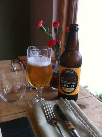 The Chalet Tearooms and Restaurant: Good selection of ale