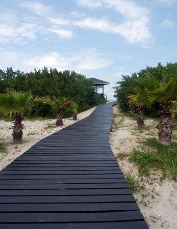 Paradisus Princesa del Mar Resort & Spa: Il sentiero che porta alla spiaggia privata del Royal Service