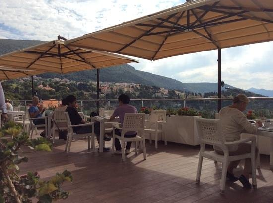 Rixos Hotel Libertas: breakfast on the terrace