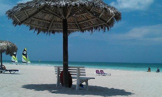 Paradisus Princesa del Mar Resort & Spa: Lato spiaggia - servizio standard