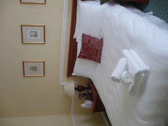 Tregenna Castle Resort : The very comfy bed!!!!