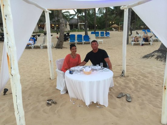 Dreams Punta Cana Resort & Spa: Romantic dinner on the beach