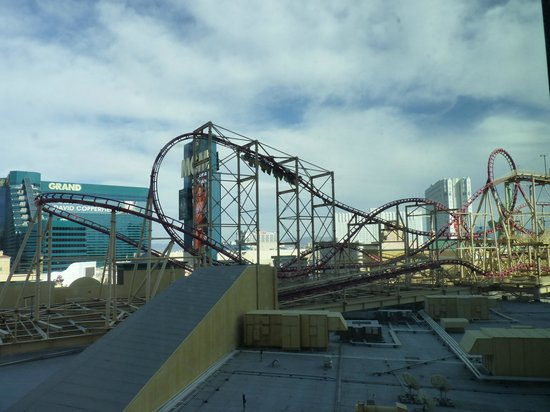 New York - New York Hotel and Casino: Roller coaster