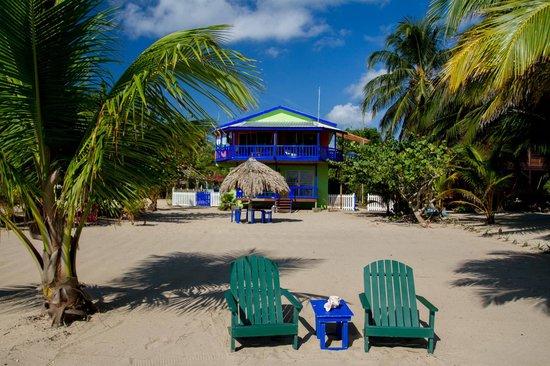 Tipple Tree Beya: Strandansicht Gebäude