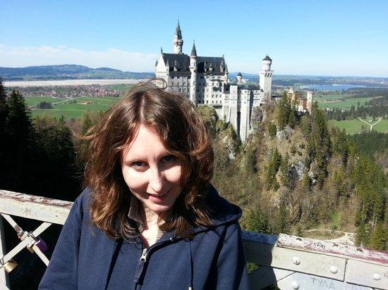 Neuschwanstein Castle: вид на замок с моста