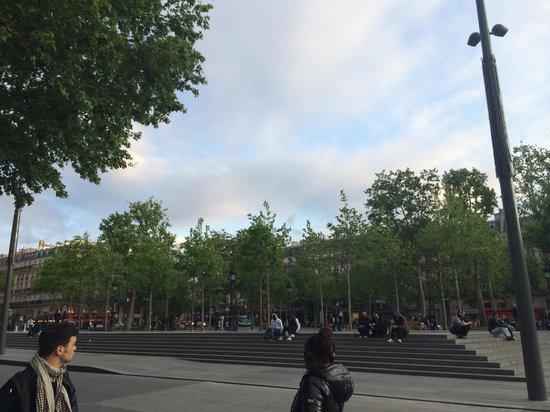 Crowne Plaza Paris Republique : Rèpublique Square