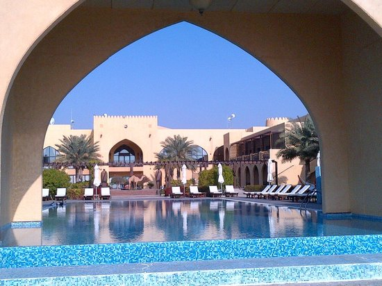 Tilal Liwa Hotel: The pool