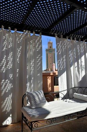 Riad Al Jana: Vue de la Koutoubia de la terrasse