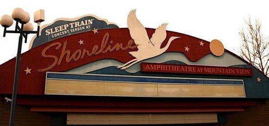 Shoreline Amphitheatre: sign