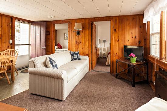 Cove Bluffs Inn: Deep Breath